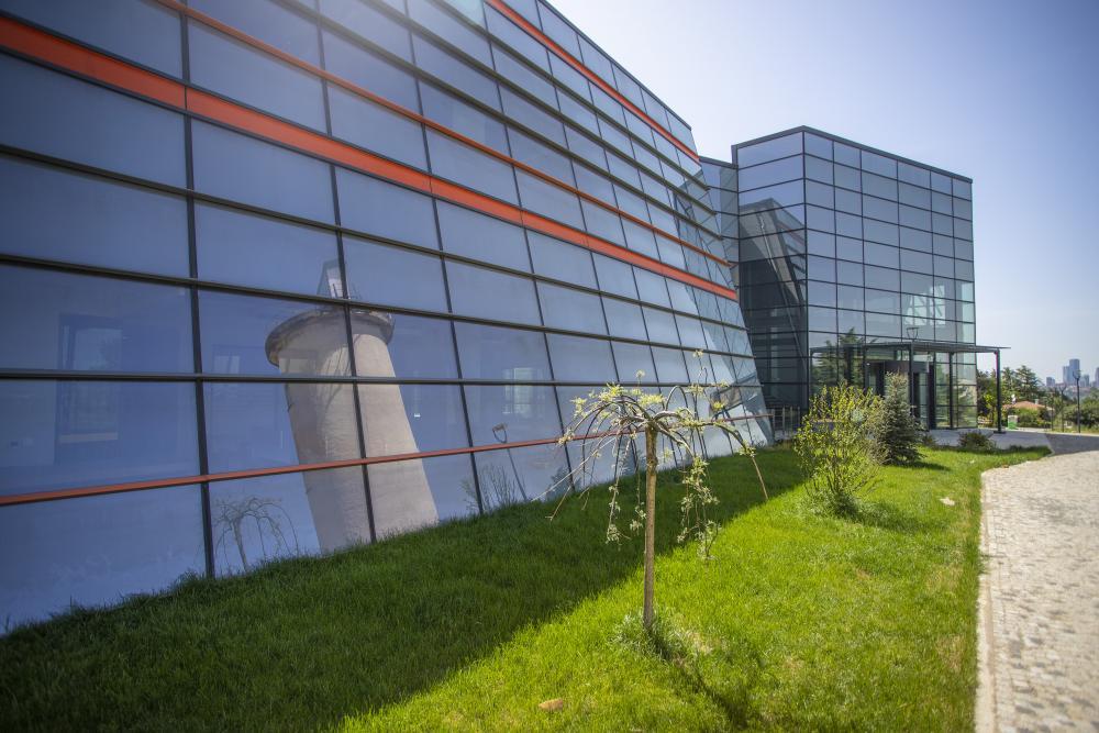 Bilim ve Teknoloji Binası Dış Görünüm