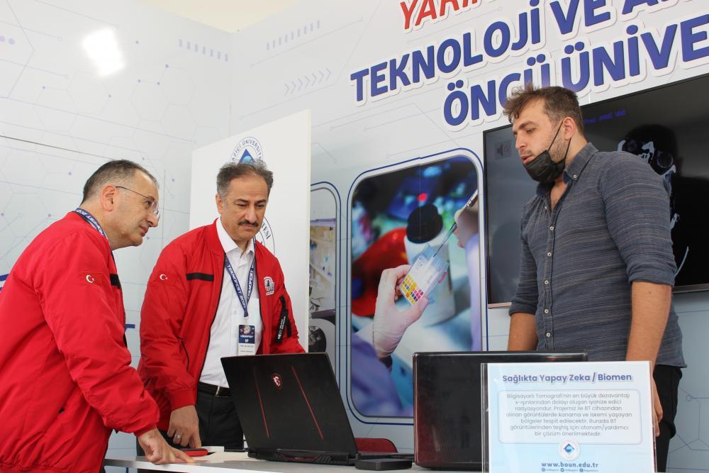 Boğaziçi Üniversitesi Rektörü Prof. Dr. Mehmet Naci İnci ve Rektör Yardımcısı Prof. Dr. Gürkan Kumbaroğlu