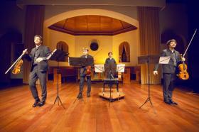 Albert Long Hall güz konserleri kapsamında 22 Ekim akşamı Polonya'nın klasik müzik dünyasına armağan ettiği genç bir topluluk olan Apollon Musagète Quartet, ''Apollo ve Esin Perileri 1'' başlıklı konserde Schubert'in 'Ölüm ve Genç Kız Kuvarteti'ni sundu.