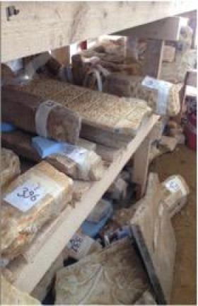 Şekil 5. Yeni bulunan taşlar ve yerleri Arkeoloji Müzesi denetiminde, İBB'in yüklenici şirketi tarafından  numaralandırılarak restorasyon sonrası bulundukları yerlere konmak üzere kayıt altına alınmıştır